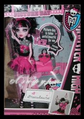 Monster High Draculaura Picture Day (Дракулаура, фото дня)