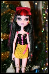 Monster High Draculaura Gloom Beach (Дракулаура Глум бич)