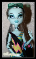 Monster High Frankie Stein Gloom Beach (Френки Глум бич) (not box)