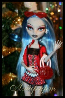 Monster High Ghoulia Yelps Gloom Beach (Гулия Глум бич)